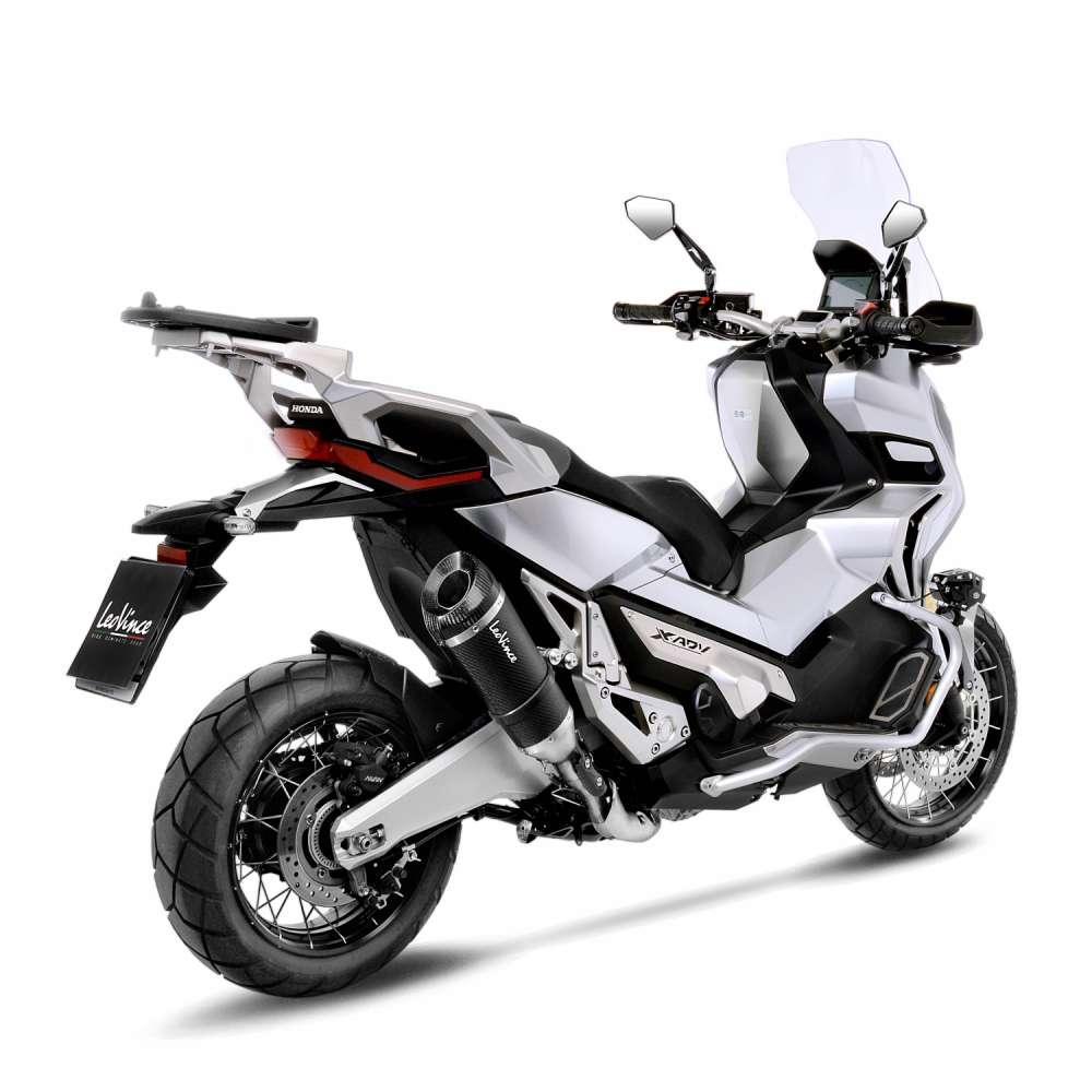 Keunggulan Yamaha Aerox 155 Di Bandingkan Honda ADV 150